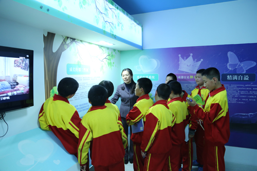 渤海小学师生参观怀柔青少年a小学教育中心推荐书小学生图片