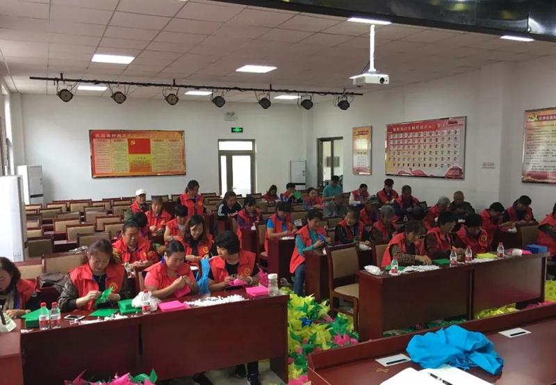 北京怀柔区党员志愿服务队为美丽乡村建设贡献力量