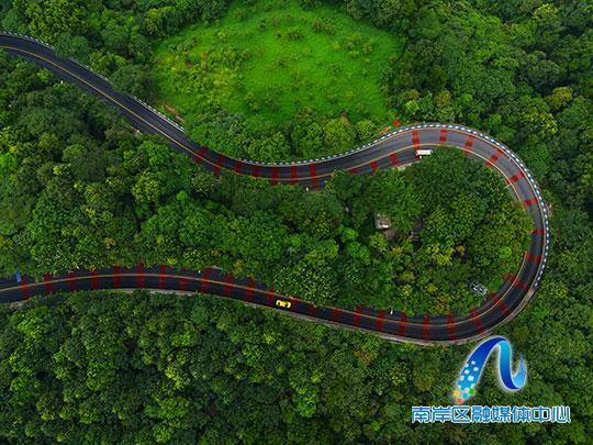 重庆南岸:品质城市建设助推黄金公路大变样
