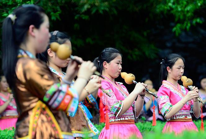 广西龙胜:民族文化进校园