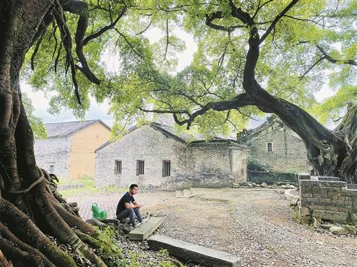 探訪全國傳統古村落鐘山縣石龍鎮松桂村