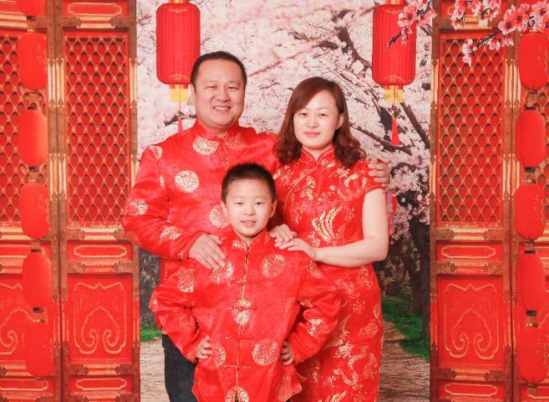 张淑娟家庭照2.jpg