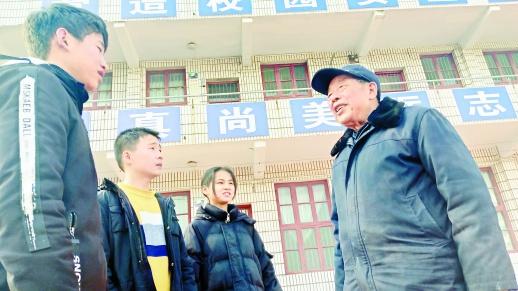 """""""湖南好人""""卓志厚:奉献余热不言悔"""
