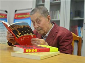 杜发荣日常生活照片.jpg