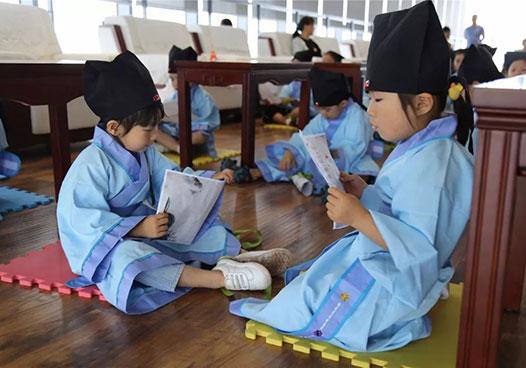 """武清博物馆里,孩子们""""穿越""""了~"""