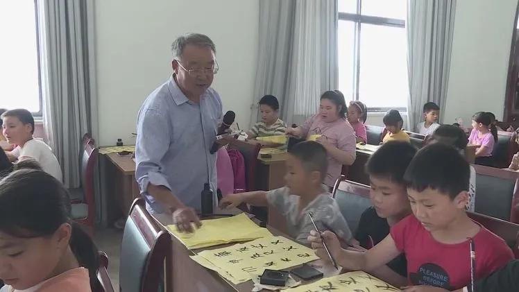 """付大中江苏  留守儿童心中的""""宝藏""""爷爷"""