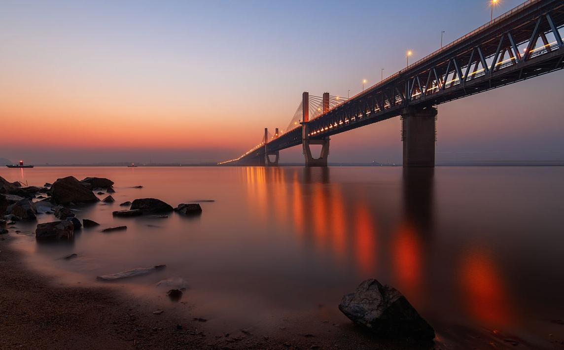图二十三芜湖长江大桥.jpg