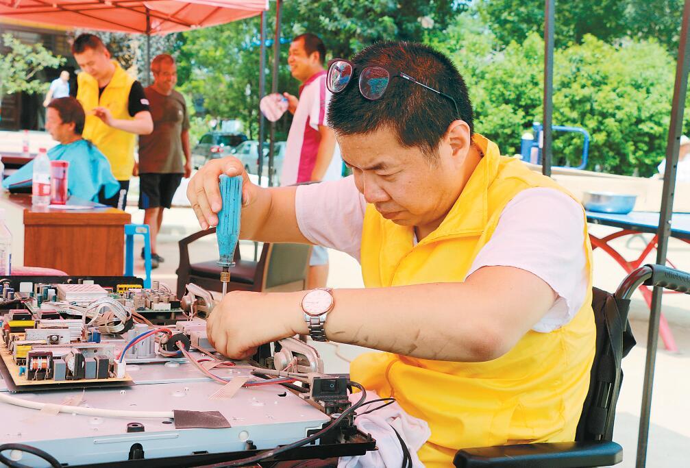 陕西西安:7项志愿服务助力小山村脱贫攻坚